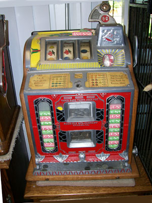 Antique Mills Vendor Front Slot Machine