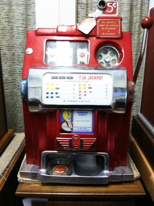 Antique Pace Harras Club Slot Machine